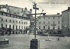 Piazza della Repubblica  - cartolina Archivio Pro Loco