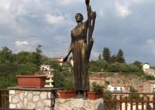 Statua in bronzo di San Francesco - foto archivio Pro Loco
